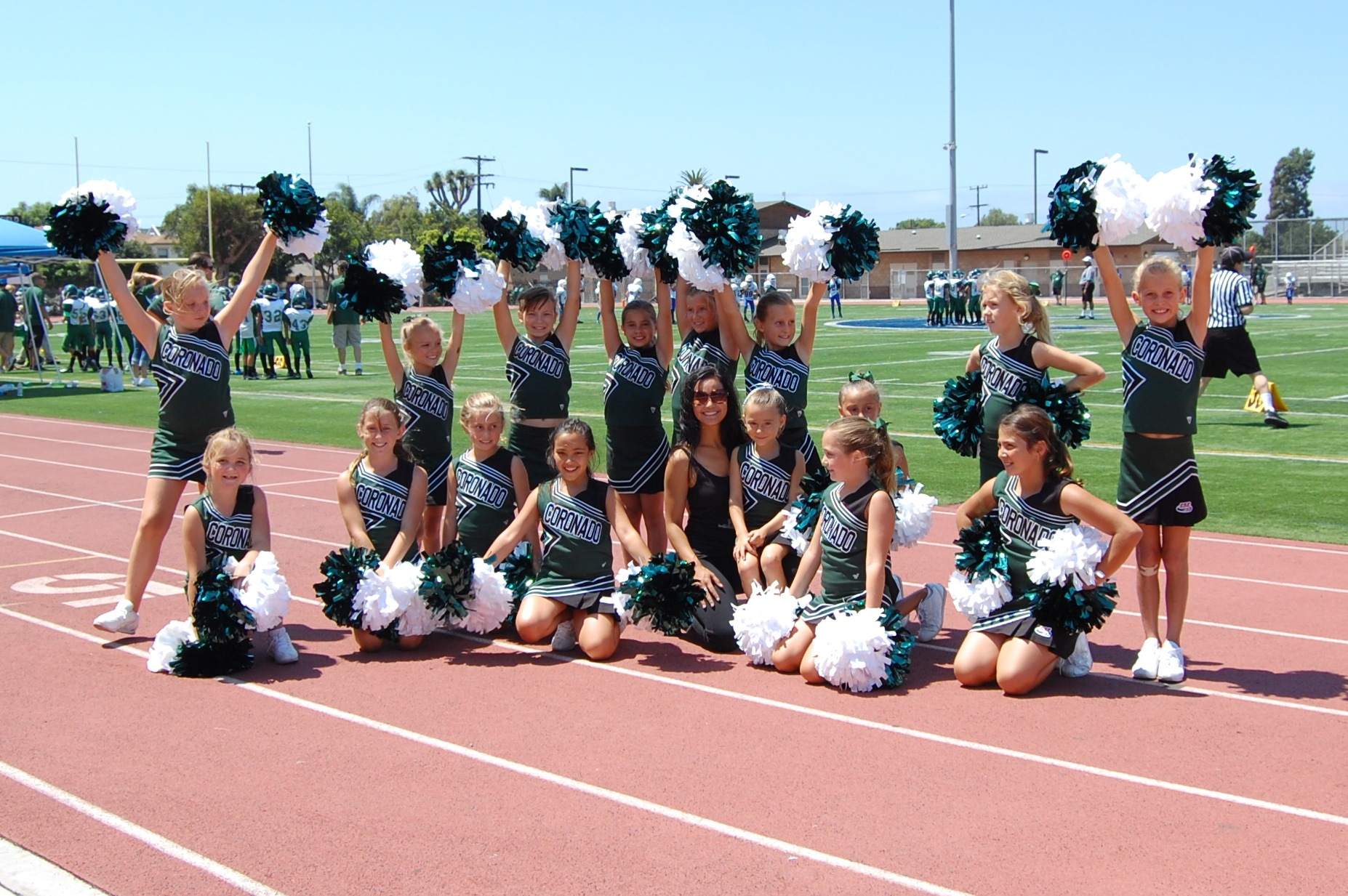 Science Cheerleader Taylor leads citizen science project with Pop Warner cheerleaders in San Diego.